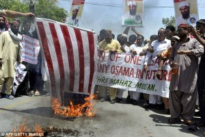 Muslims-pray-cry-for-Osama