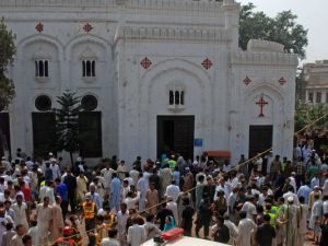 1379842799000-EPA-PAKISTAN-CHURCH-BOMBING
